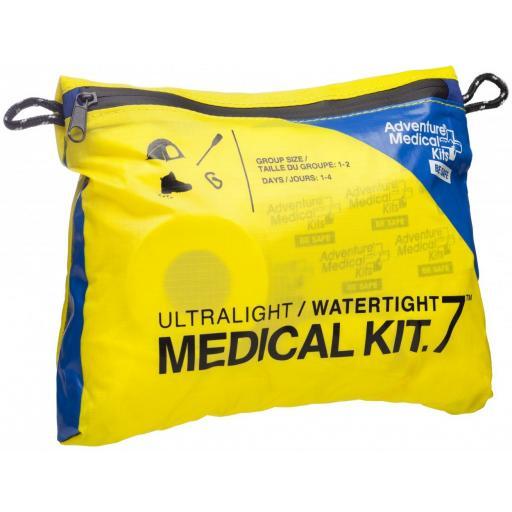 ultralight-watertight-.7-medical-kit-[2]-3203-p.jpg
